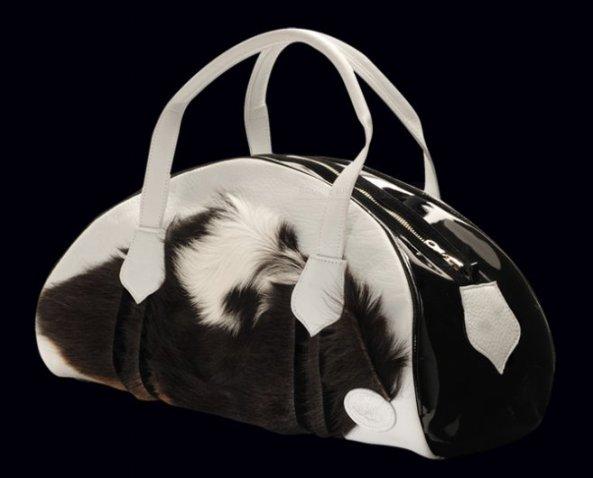 Omar Munie tassen ontwerper
