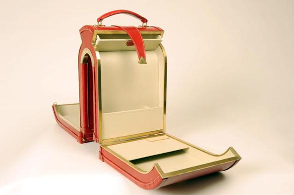Williams-Handmade-luggage-open- Tassen-mode-nieuws