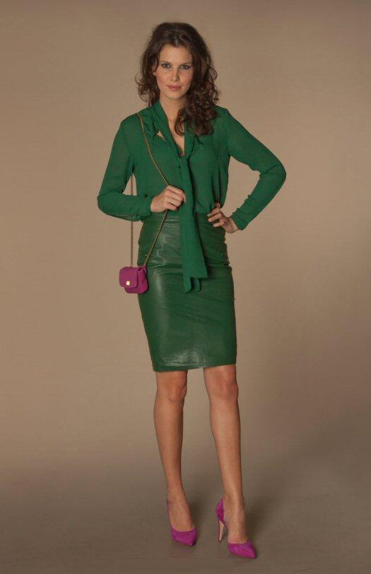 By Malene Birger - Hania Blouse Peacock Green - Mini Camoush Bag Raspberrie - Tassen-mode-nieuws
