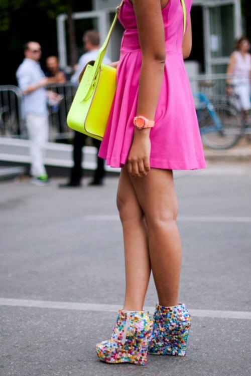 Neon Pink Dress - Tassen-mode-nieuws